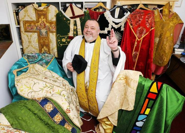 COLOURFUL COLLECTION: 